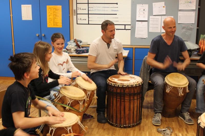 Rhythmus und Tanz 12