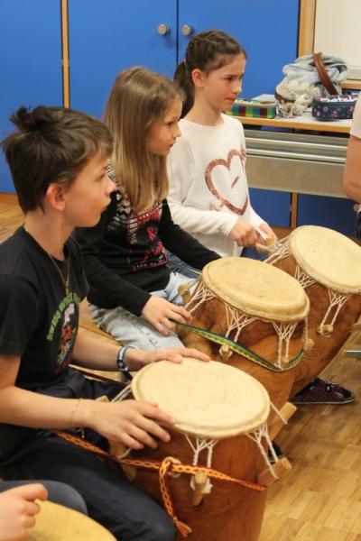 Rhythmus und Tanz 13