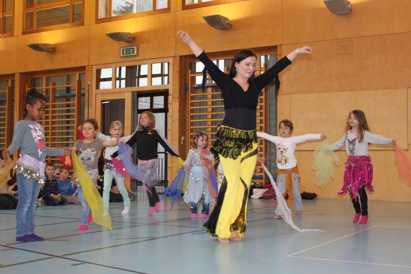 Rhythmus und Tanz 29
