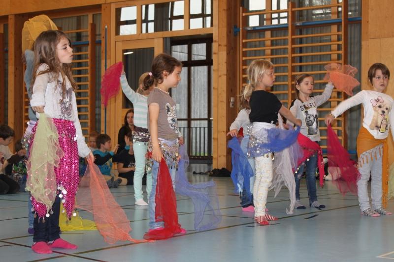 Rhythmus und Tanz 30
