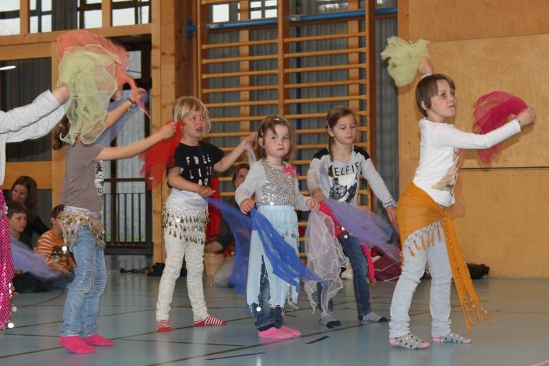 Rhythmus und Tanz 32