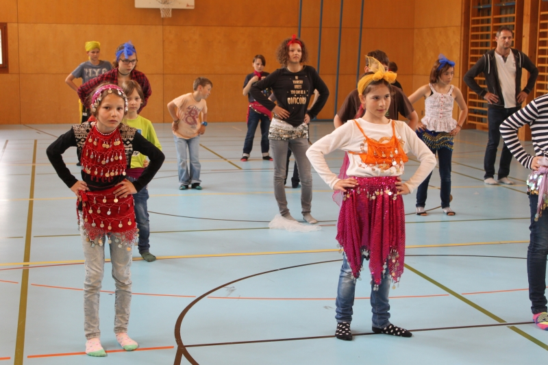 Rhythmus und Tanz 40
