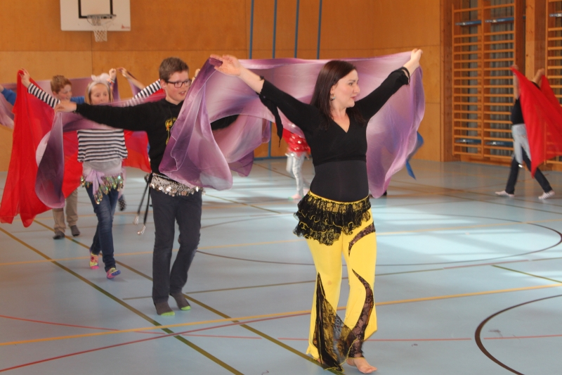 Rhythmus und Tanz 55