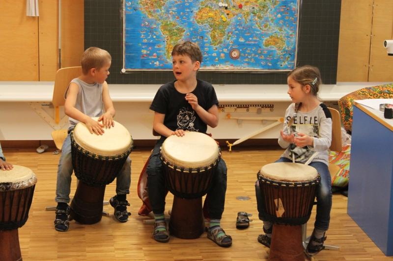 Rhythmus und Tanz 72