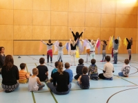 Rhythmus und Tanz 33