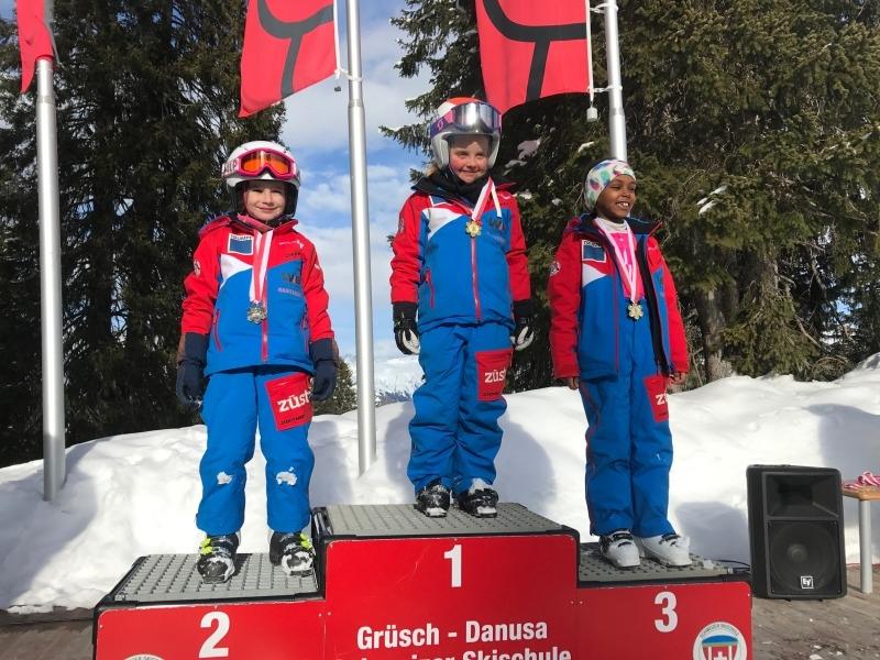 Skirennen-2018 Maedchen 1-2